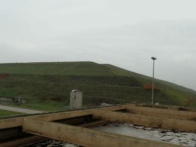 50 metara visoko brdo smeća na Jakuševcu (foto: Behija Salkić)